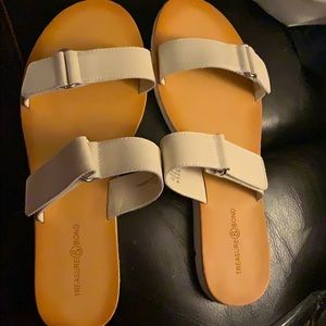 Treasure & Bond leather slide sandal new size 10
